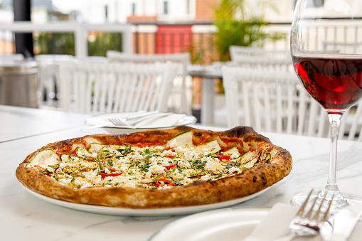 Garlic Clove「Italian Food - Zucchini Vegetarian Pizza」:スマホ壁紙(4)