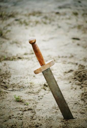 Battle「A sword」:スマホ壁紙(19)