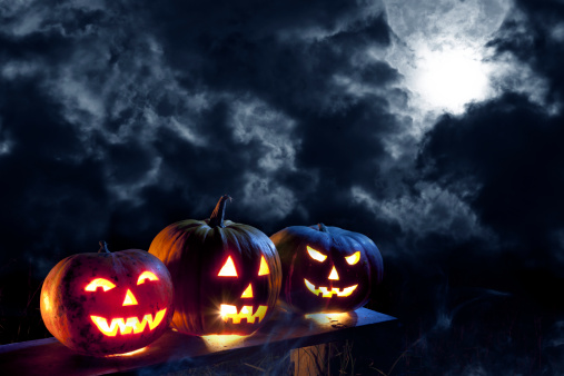 Jack-o'-lantern「Jack O' Lantern in moonlight」:スマホ壁紙(10)