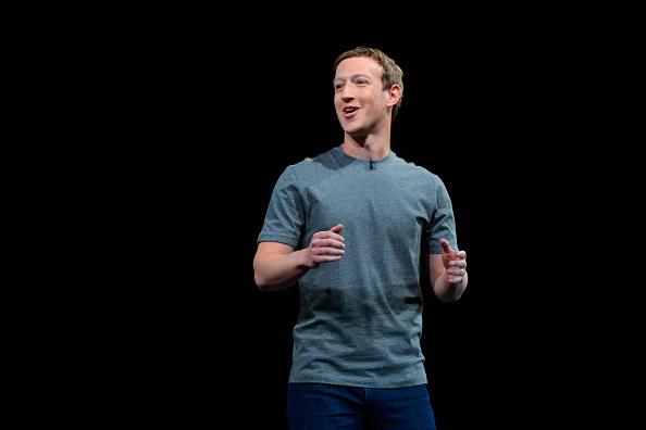 Mark Zuckerberg「New Samsung S7 Worldwide Unveiling」:写真・画像(8)[壁紙.com]