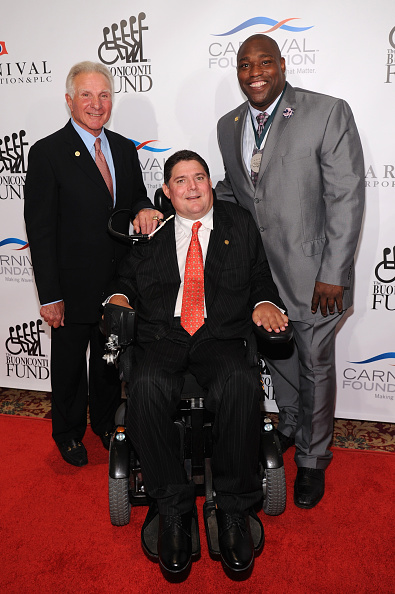 Bryan Bedder「29th Annual Great Sports Legends Dinner To Benefit The Buoniconti Fund To Cure Paralysis - Arrivals」:写真・画像(11)[壁紙.com]