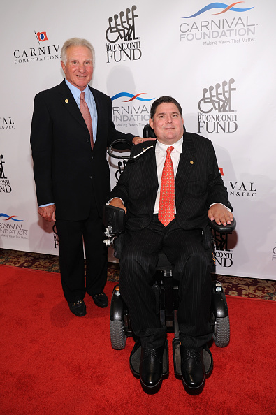 Bryan Bedder「29th Annual Great Sports Legends Dinner To Benefit The Buoniconti Fund To Cure Paralysis - Arrivals」:写真・画像(9)[壁紙.com]