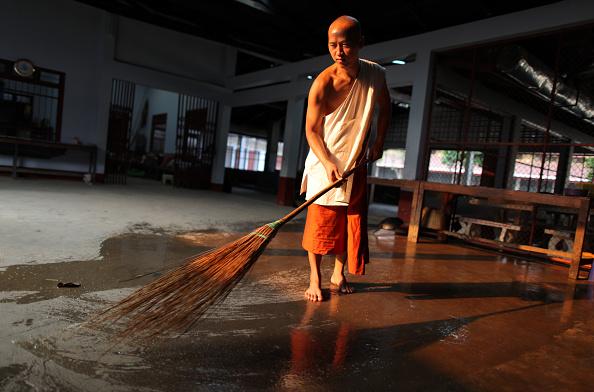 Sweeping「Life In Myanmar: Border Town of Tachilek」:写真・画像(18)[壁紙.com]