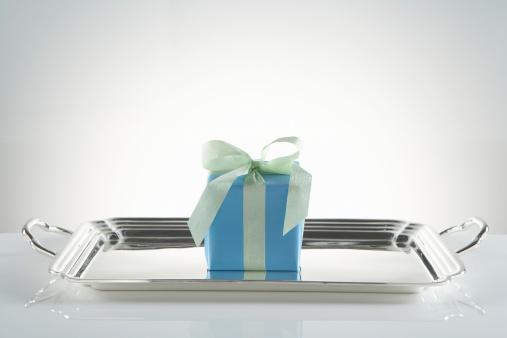 盆「Gift on silver platter」:スマホ壁紙(9)