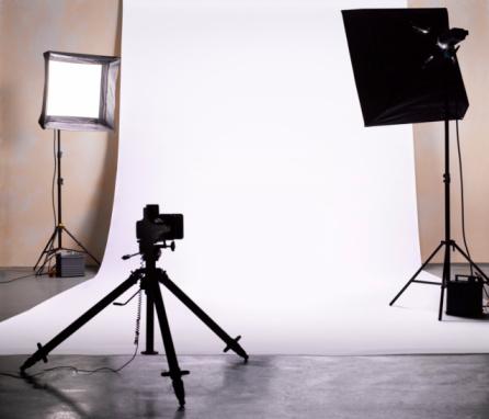 Photography Themes「Empty photographic studio ready for shoot. 」:スマホ壁紙(3)