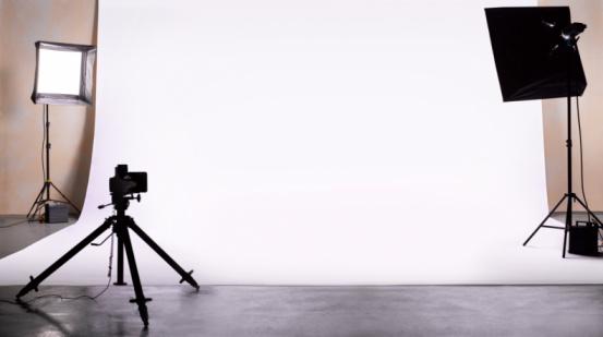 Backdrop - Artificial Scene「Empty photography studio ready for shoot.」:スマホ壁紙(4)