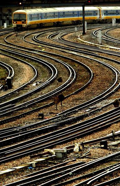 Approaching「British Rail Industry Undergoes Review」:写真・画像(4)[壁紙.com]