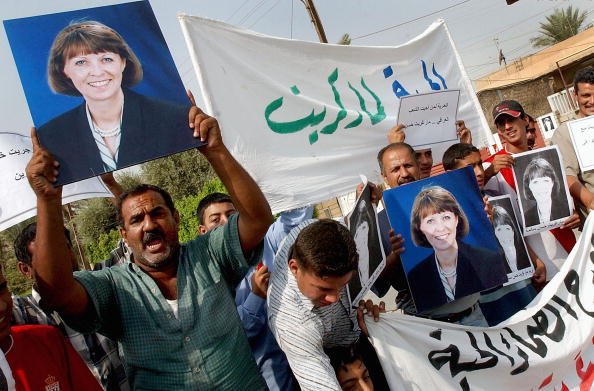 Wathiq Khuzaie「Iraqis Protest Against The Kidnapping Of Margaret Hassan」:写真・画像(0)[壁紙.com]