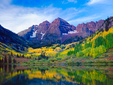 Maroon Bells「Autumn Aspen landscape with mountains, trees, and lake view」:スマホ壁紙(9)