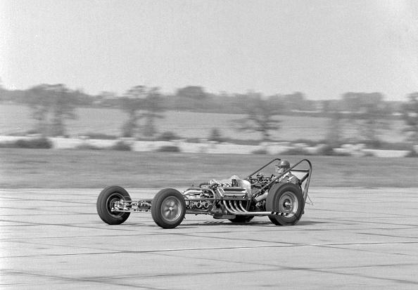 Drag Racing「Allard dragster driven by Sydney Allard during testing at North Weald Airfield in Essex 1961」:写真・画像(1)[壁紙.com]