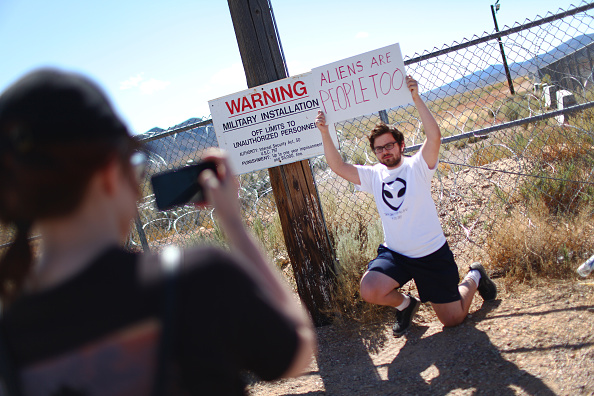 "Geographical Locations「Revellers Descend On Nevada Desert For ""Storm Area 51"" Gathering」:写真・画像(11)[壁紙.com]"