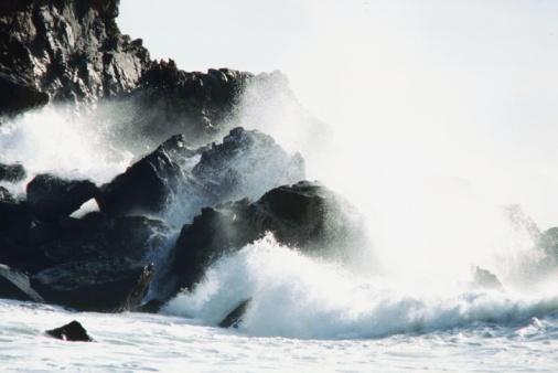 Pfeiffer Beach「Waves off the coast of Pfeiffer Beach in Big Sur, California, USA」:スマホ壁紙(18)