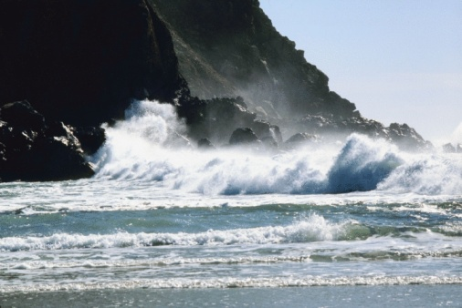 Pfeiffer Beach「Waves off the coast of Pfeiffer Beach in Big Sur, California, USA」:スマホ壁紙(14)