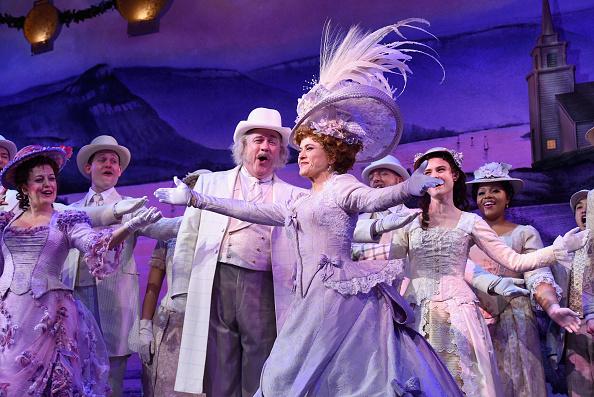 ミッドタウンマンハッタン「Bernadette Peters' Opening Night of 'Hello, Dolly!' On Broadway」:写真・画像(13)[壁紙.com]