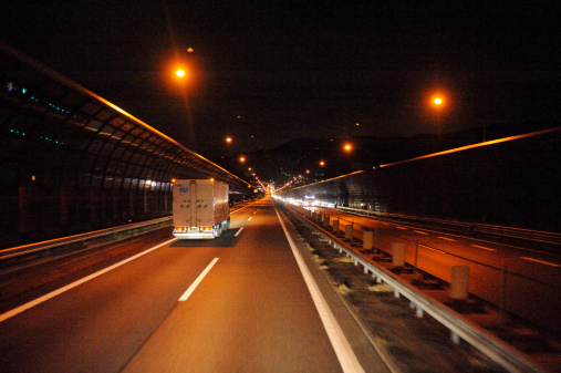京都の夜「Highway at night , Kyoto Prefecture, Japan」:スマホ壁紙(11)