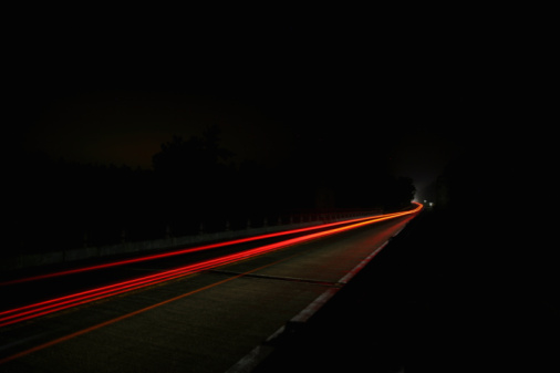 Light Trail「highway at night with car light blur」:スマホ壁紙(1)