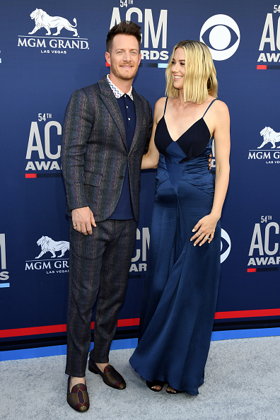 T 「54th Academy Of Country Music Awards - Arrivals」:写真・画像(16)[壁紙.com]