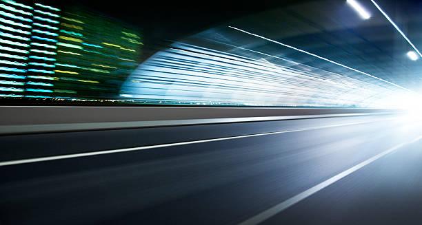 Night highway:スマホ壁紙(壁紙.com)