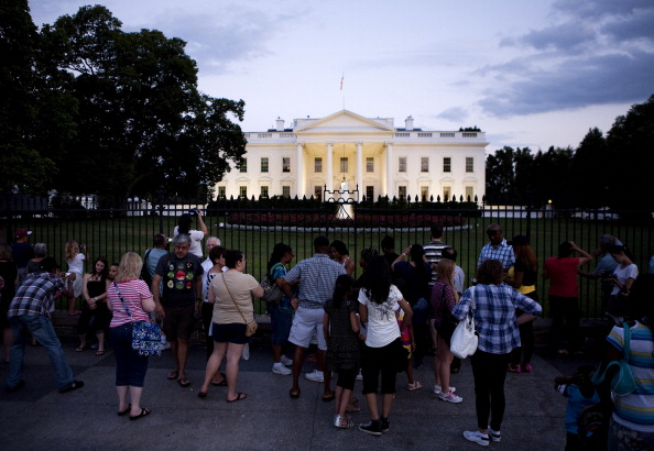 Joshua Roberts「As Default Deadline Nears, Congress Continues Debate Debt Ceiling Plan」:写真・画像(11)[壁紙.com]