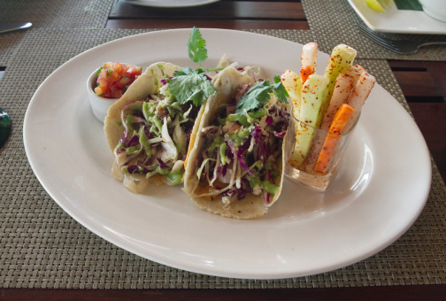 Taco「Mexican fish tacos with chili spiced vegetables」:スマホ壁紙(12)