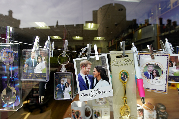 Souvenir「Preparations for Royal Wedding of Harry and Meghan」:写真・画像(5)[壁紙.com]