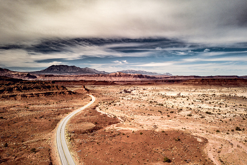 Utah「Traveling along Utah canyons - Road trip in the western of the United States」:スマホ壁紙(12)
