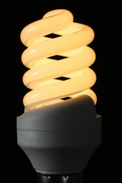 Light Bulb「British Gas Controversially Increases Its Energy Prices」:写真・画像(17)[壁紙.com]