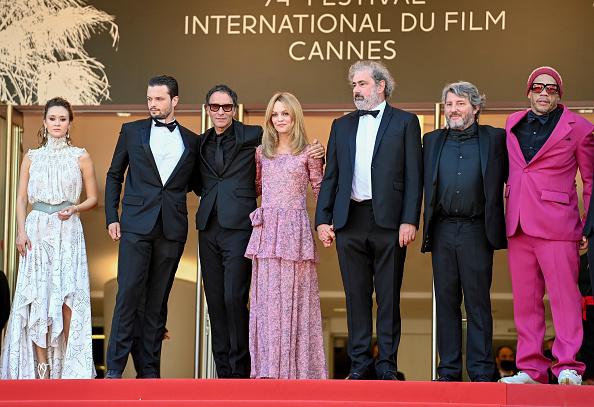 "Vanessa Paradis「""De Son Vivant (Peaceful)"" Red Carpet - The 74th Annual Cannes Film Festival」:写真・画像(18)[壁紙.com]"
