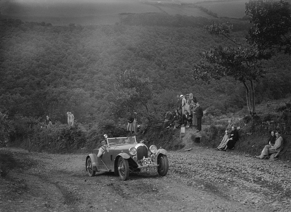 Country Road「Marendaz special open 2-seater at the Mid Surrey AC Barnstaple Trial, Beggars Roost, Devon, 1934」:写真・画像(16)[壁紙.com]
