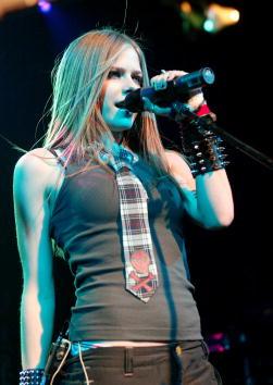 アヴリル・ラヴィーン「Avril Lavigne In Concert」:写真・画像(9)[壁紙.com]