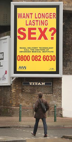 Spray「Controversial Sex Adverts Adorn London」:写真・画像(6)[壁紙.com]