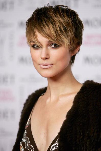 Short Hair「London Fashion Week - Fashion Tribute to Mathew Williamson」:写真・画像(8)[壁紙.com]