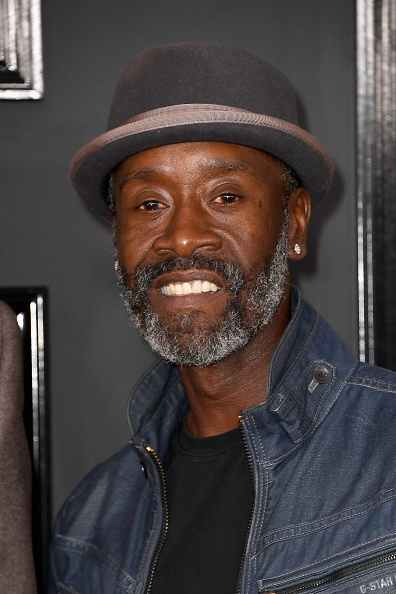 Don Cheadle「The 59th GRAMMY Awards - Arrivals」:写真・画像(10)[壁紙.com]