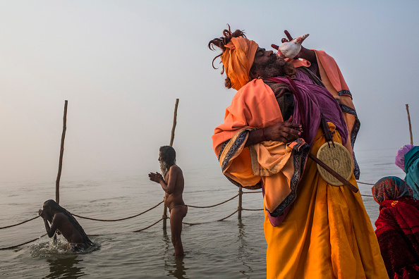 殻「Hindu Devotees Gather For The Maha Kumbh」:写真・画像(6)[壁紙.com]