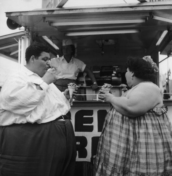 USA「Overweight Couple」:写真・画像(12)[壁紙.com]