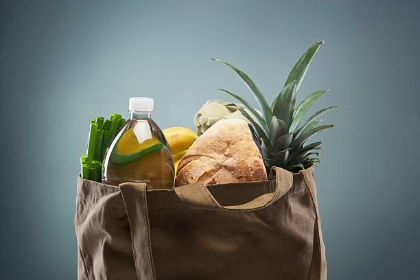 Groceries in Tote Bag:スマホ壁紙(壁紙.com)