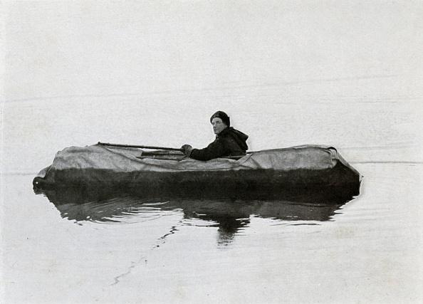 Ski Pole「Campbell Afloat In A Kayak」:写真・画像(2)[壁紙.com]
