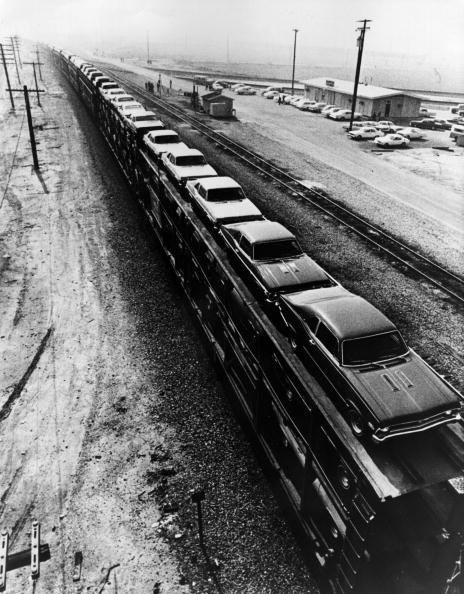 Land Vehicle「Car Train」:写真・画像(1)[壁紙.com]
