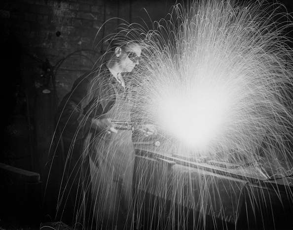 Manual Worker「Welder At Work」:写真・画像(14)[壁紙.com]