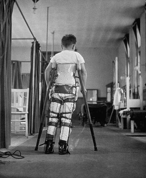 Polio「Learning To Walk」:写真・画像(0)[壁紙.com]
