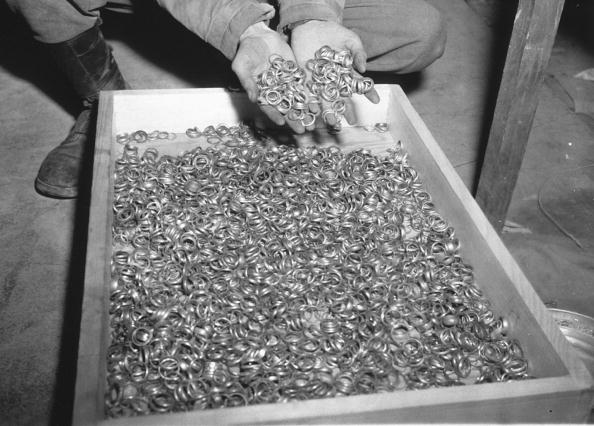 Third Reich「Soldier with Nazi treasures taken from jews」:写真・画像(13)[壁紙.com]