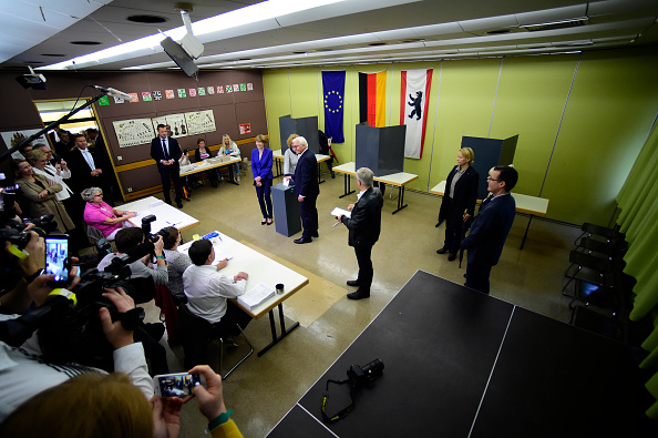 Arrival「President Steinmeier Casts His Ballot In Federal Elections」:写真・画像(0)[壁紙.com]