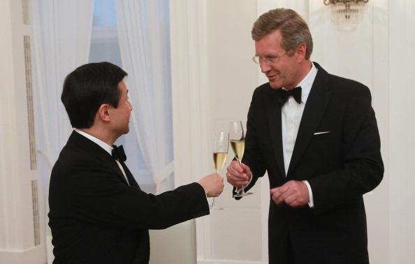 Celebratory Toast「Honorary Dinner For H.R.H. Crown Prince Of Japan」:写真・画像(19)[壁紙.com]