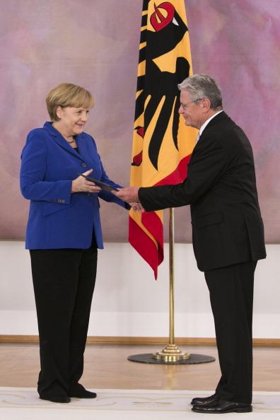 Vitality「President Gauck Dismisses Outgoing Government」:写真・画像(1)[壁紙.com]