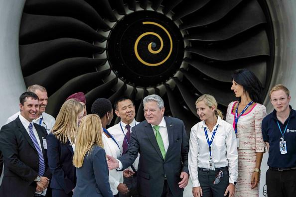 Visit「Gauck Visits Rolls-Royce Aircraft Engine Testing Center」:写真・画像(7)[壁紙.com]