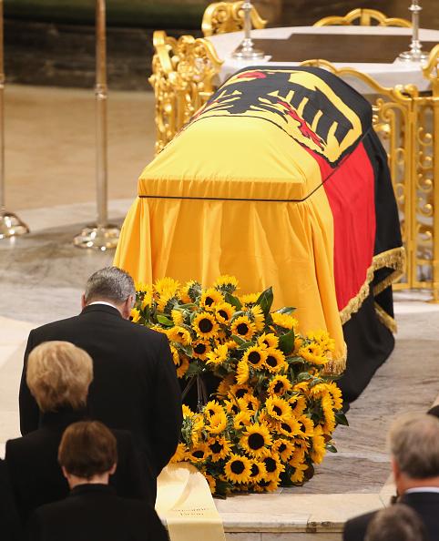 Politics and Government「Helmut Schmidt State Funeral」:写真・画像(12)[壁紙.com]
