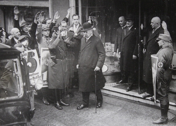 National Landmark「German President Paul Von Hindenburg Leaves The Poll Site In Berlin Kanonierstrasse In The Reichstag Elections Of 1933. 5Th March Of 1933. Photograph.」:写真・画像(4)[壁紙.com]