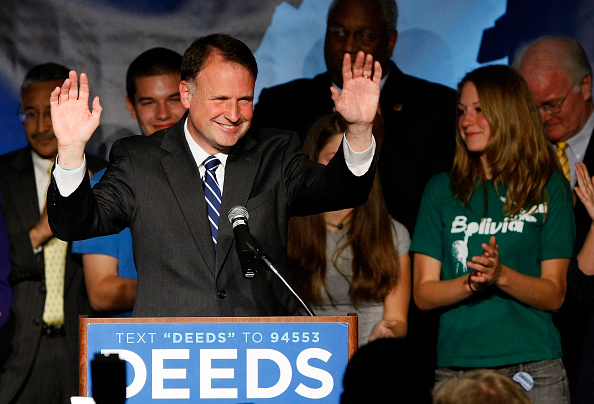 Support「McDonnell And Deeds Face Off In Virginia Gubernatorial Election」:写真・画像(19)[壁紙.com]