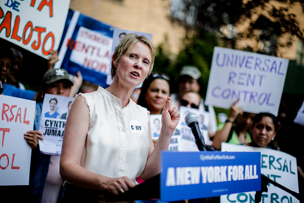 Politics「Democratic Gubernatorial Candidate Cynthia Nixon  Rally For Universal Rent Control」:写真・画像(17)[壁紙.com]