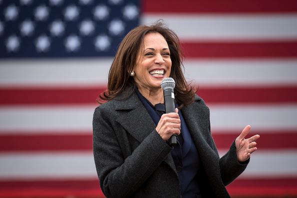 Vice President「Democratic Vice Presidential Nominee Kamala Harris Campaigns In Detroit」:写真・画像(5)[壁紙.com]